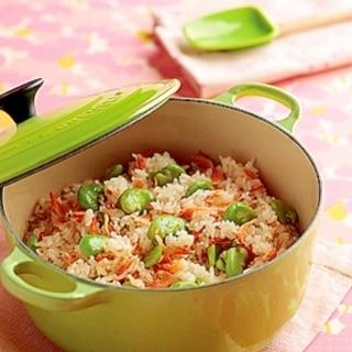 [ル・クルーゼ公式] そら豆と桜えびの炊き込みご飯