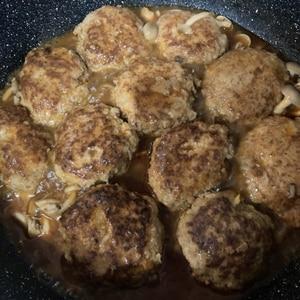 ♪♪絶品★煮込みハンバーグ~きのこソース~♪♪
