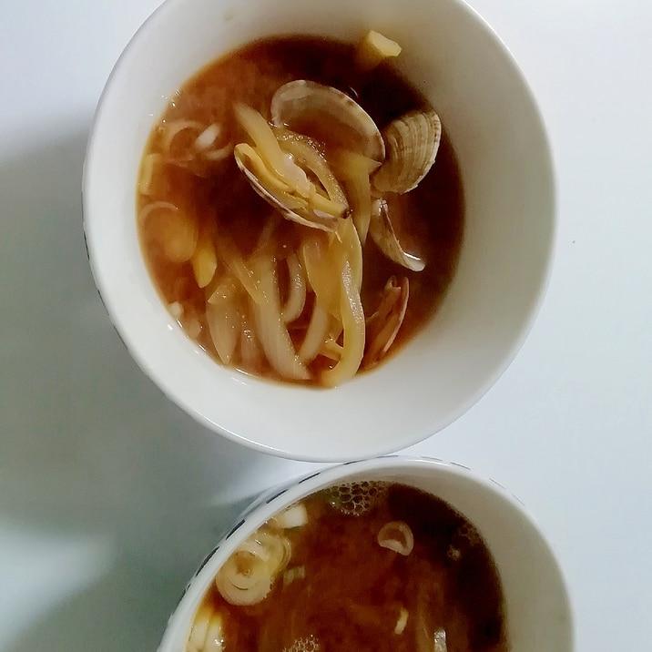 浅利と玉葱の味噌汁
