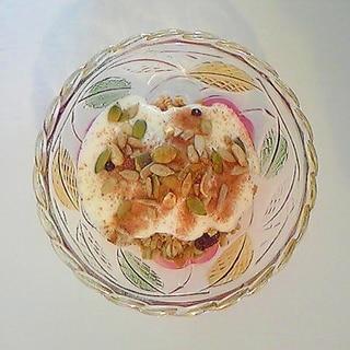 ナッツとドライフルーツのフルグラヨーグルト