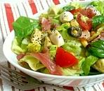 ヘルシーでカラフルなグリーンサラダ☆