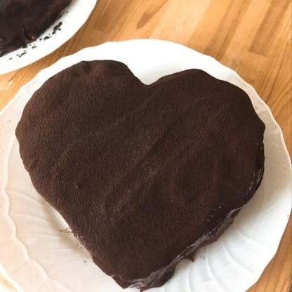 バレンタインにハート形で作りました♡ ガナッシュが濃厚で美味しかったです♡