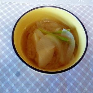 ほくほく♪じゃが芋と玉葱味噌汁