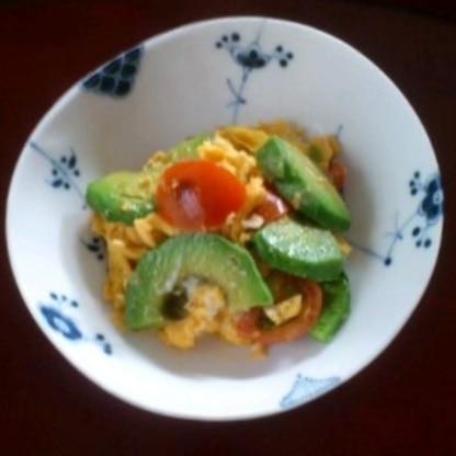 簡単なのに味わい深くてとても美味しかったです。卵とアボカドはあいますね☆ 美味しいレシピ感謝です。ご馳走様でした(*^_^*)