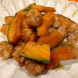 豚コマで☆かぼちゃと豚こま団子の甘酢炒め
