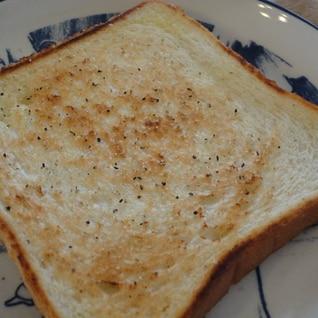 トーストはフライパンで焼くのがオイシイ!!