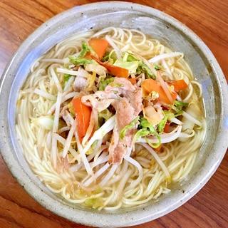 野菜たっぷり☆肉野菜炒めラーメン