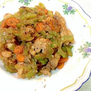 鶏肉とゴーヤの豆豉醬炒め