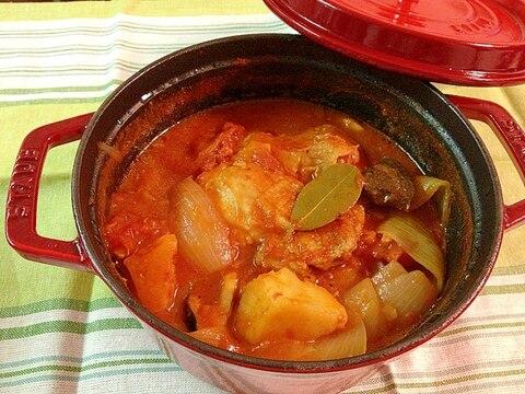 ストウブでチキンと野菜のトマト煮込み♡