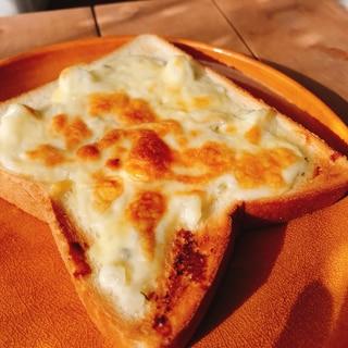食事パン タルタルチーズトースト