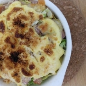 カリフラワーとベーコンのマヨチーズ焼き