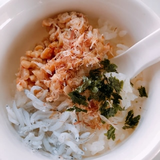 〜離乳食後期〜しらすと納豆の簡単混ぜのっけ丼♡
