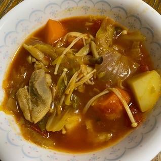 酸味×スパイス!鶏肉と野菜のトマトカレースープ