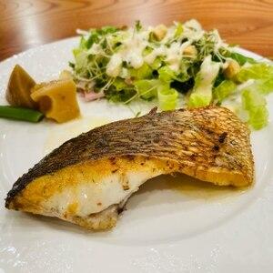 鯛のポワレ レモンバターソース