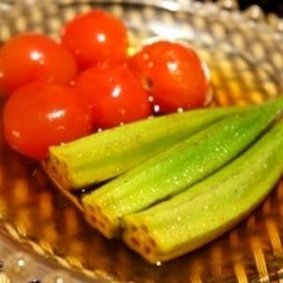ひんやり夏肴、オクラとミニトマトの煮びたし