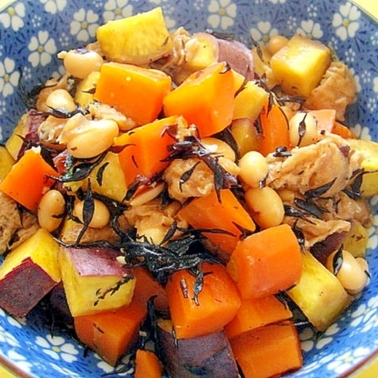 さつまいもと大豆にんじんヒジキの煮物