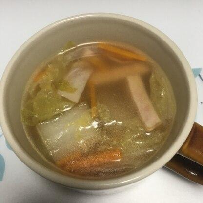 いつもコンソメをいれますが、中華スープも美味しいですね。