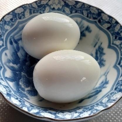 簡単なのに省エネで、しかもきれい!これからもゆで卵する時にはこの方法で作ります。