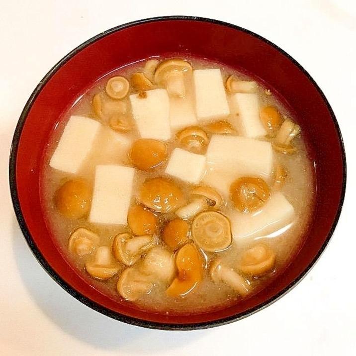 なめこと高野豆腐のつるつる味噌汁