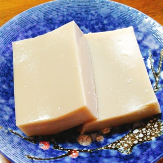 本葛で☆胡麻豆腐
