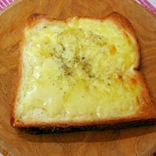 *チーズバタートースト*
