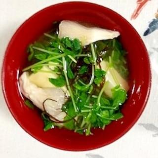豆苗、塩とうふ、あわび茸、ふのりのお味噌汁