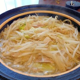 白菜ともやしたっぷり 豚バラの鍋