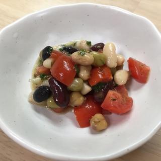 お豆とトマトのクミンサラダ