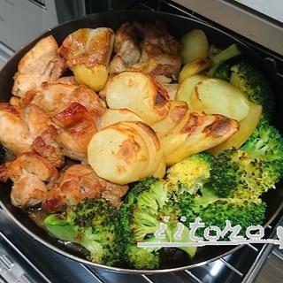 【低糖質】【グリルパン】チキン×野菜のガリバタ醤油