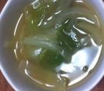 キャベツと玉ねぎのコンソメスープ