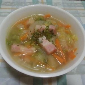 白菜と人参のスープ
