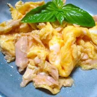 朝ご飯に! あっという間のシーチキン卵
