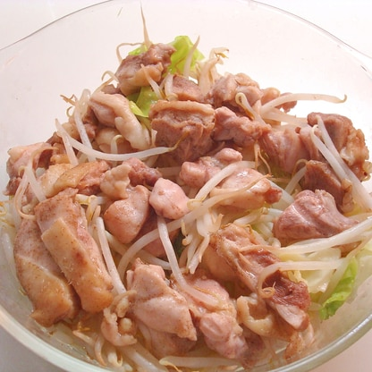 レンジで簡単★鶏もも肉とモヤシの蒸し煮~♪