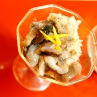 日本酒をくいっと、ナマコの柚子霙和え