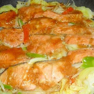 """野菜たっぷり♪我が家の""""鮭のちゃんちゃん焼き"""""""