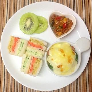 3色サンドの朝ごはんプレート