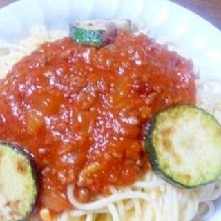 新たまねぎのミートソースとズッキーニのスパゲティ