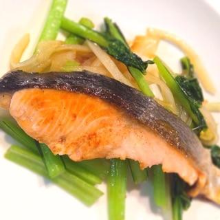 鮭と小松菜のバター醤油焼き