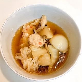 冷凍もので簡単♪蕪と白菜と鶏団子の炒め煮