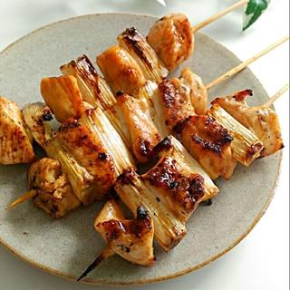 《鶏むね肉で♪ねぎま☆塩&タレの2種》