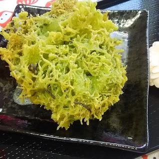 サクサク香る♪しらすと塩昆布の抹茶天ぷら