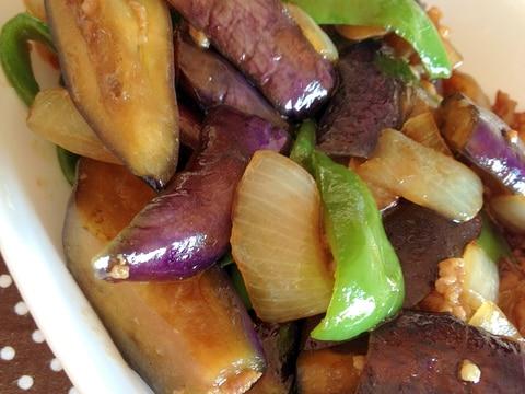 少量ひき肉で作る♪なす&ピーマン&玉ねぎ炒め