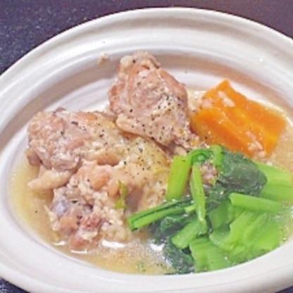 塩麹と圧力鍋で柔らか★手羽元のサムゲタン風スープ