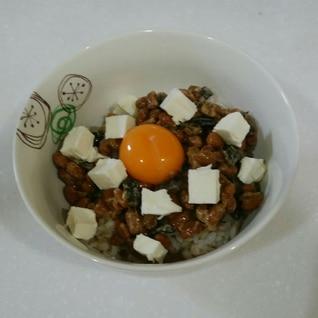 梅めかぶ納豆ごはん