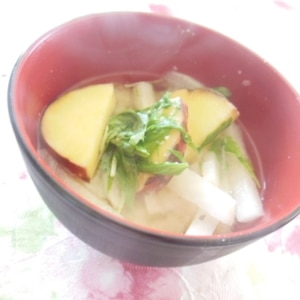 薩摩芋&冷凍大根の味噌汁♪(油揚げ&水菜ほか)