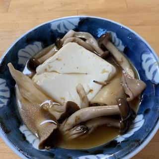 イカ飯と豆腐、キノコの煮物