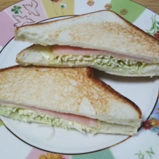 きゃべつとチーズとハムのホットサンド☆