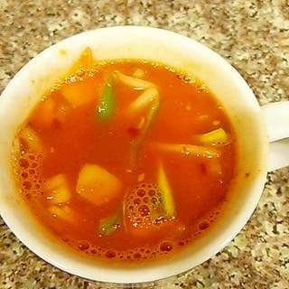 万願寺唐辛子の野菜トムヤムスープ