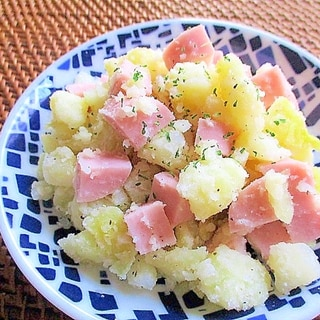 魚肉ソーセージとじゃがいものサラダ♪レモン風味