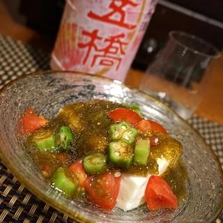 おうち居酒屋、あっさりトマトモズク豆腐